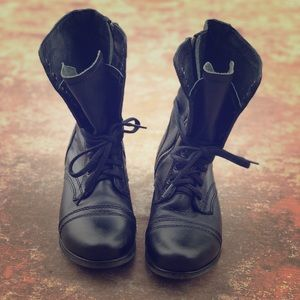 Steve Madden fold over combat boots